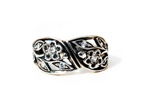 Unique Band Ring Sterling Silver Flower Diamond