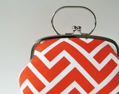 Frame purse with handle coral zigzag
