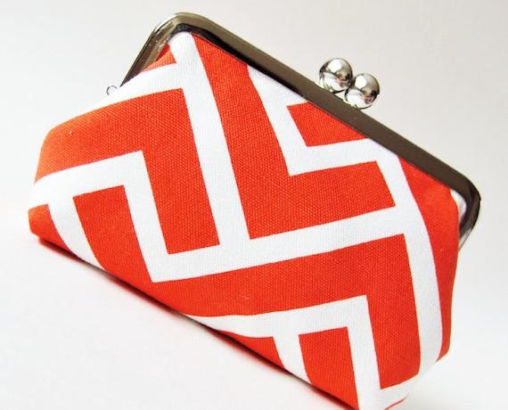 Coral zigzag snap purse