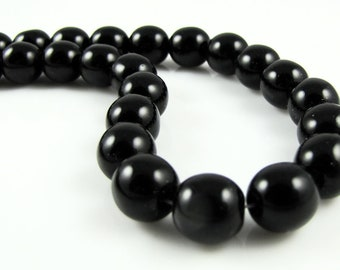 CLOSEOUT SALE for Czech Glass Round Druk Beads - Jet Black 8mm (25)