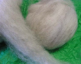 Rov001 Hand Processed Lilac Jacob Roving with Firestar