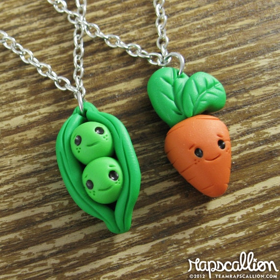 Tiny Peas and Carrot Best Friend Necklace Set