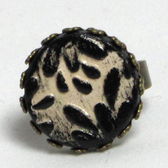 SALE Embossed Floral Ceramic Stoneware Ring - Black and White