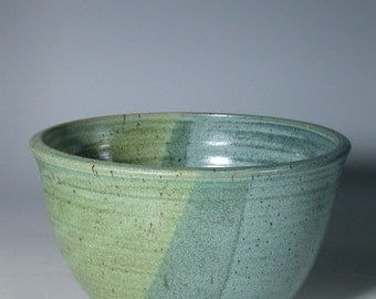 Stoneware pottery Serving bowl