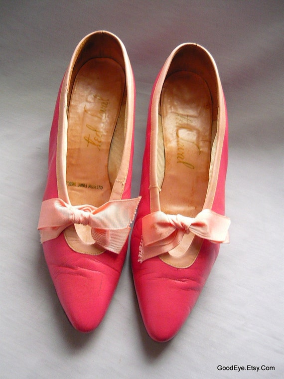 Vintage 60s Bowtie Pumps sz 9 Eu 40 Ted SAVAL Pink Kitten Heel Shoes Leather Narrow width