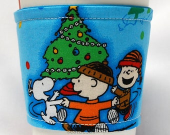 Christmas - Coffee Cozy/Cup Sleeve/Eco Friendly/Slip-on:Charlie Brown, Linus, Snoopy Xmas Tree