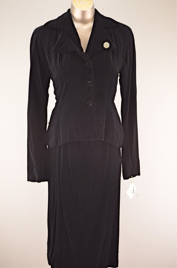 1940s black suit  Vintage 40s suit  40s tailored suit old Hollywood glamour hourglass fitted rhinestone size small