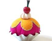 Cupcake Pincushion (B)
