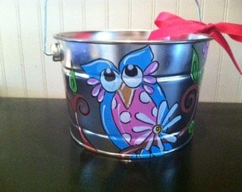 Cute Owl bucket perfect for  teachers classroom or childs room hand painted and personalized