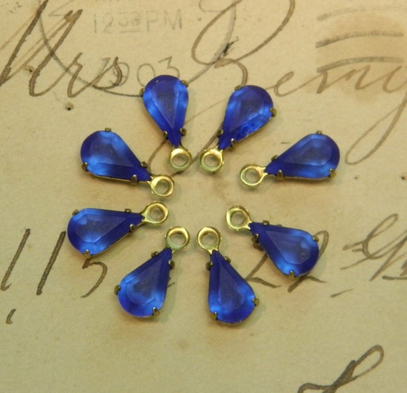Vintage Glass Teardrop Beads