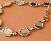 Bracelet Finding - Silver Toned Bracelet for 8x6mm Cabochons (50-14F-1)