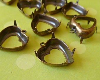 Brass Settings - 15x14mm Heart Prong Settings with One Loop (27-8B-6)