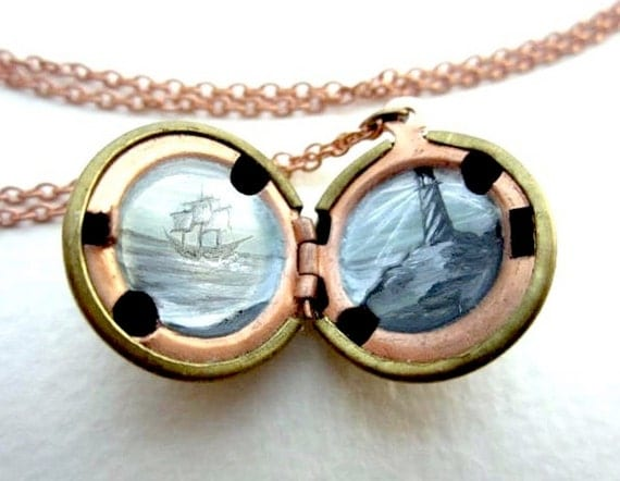 Lighthouse Locket - Oil-painted - Ship in the Mist - Foggy and Mysterious Mini Painting in Vintage Brass Locket