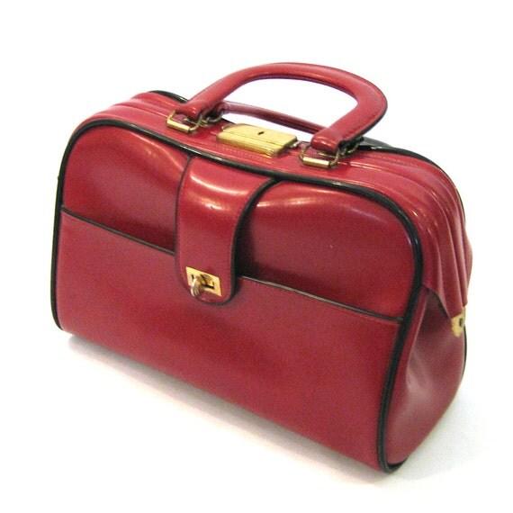 vintage Cherry Red Handbag / Mad Men Style / 60s vintage Doctor's Bag Style Handbag