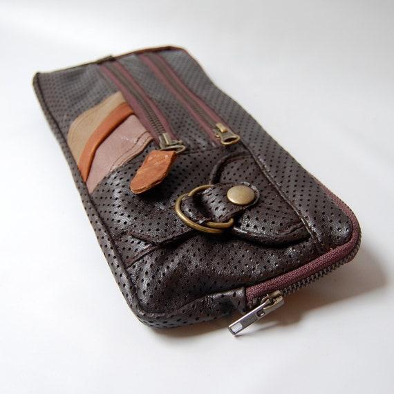 9 pocket Vigga clutch in brown perforated lamb skin