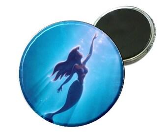 "Magnet - Disney Little Mermaid Swimming 2.25"" Image"