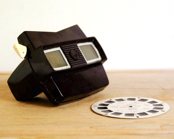 Vintage Toy View Master Model E Sawyer's 1950s Stereoscopic 3D Viewer, plus Reel 746 Television Stars