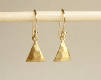 Hammered Triangle Brass Gold Earrings, Bridesmaid Gift. Minimal Jewelry,Gift under 15