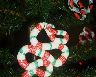 Snakes Christmas Tree Ornament Green Red and white striped Candy Cane Snake Necklace Pendant glows under blacklight