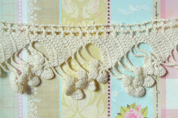 Vintage Ivory Crochet Trim- Very Unique- 1 gorgeous yard