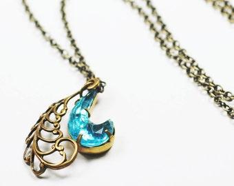 Aqua jewel necklace vintage filigree brass comma retro modern blue