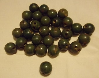 28-Piece 1940 Bakelite Bead Buttons