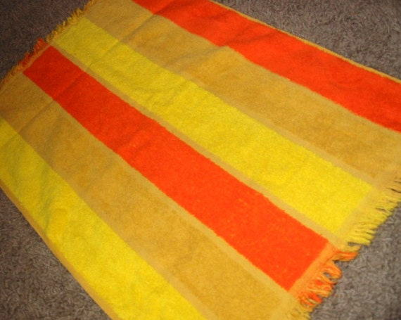 Vintage MOD 70s Yellow and Orange Wide Stripe Guest Hand Towel