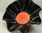 JOHNNY CASH I Walk The Line - Recycled Record Chip Bowl