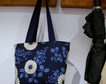 Navy Daisies reversible small tote- Michael Miller blue/white daisies and denim reversible washable bag with pockets- ready to ship