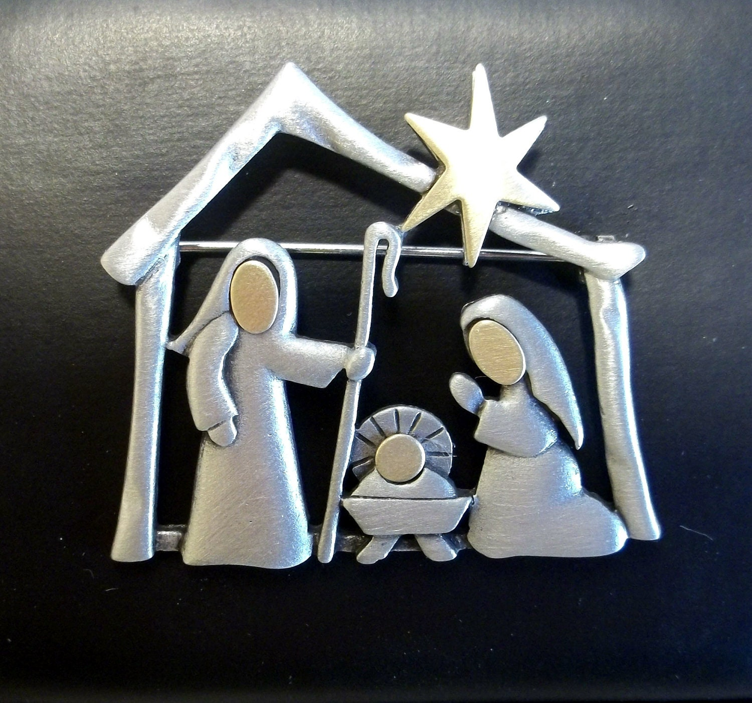 Nativity Manger Baby Jesus Jj Pin Christmas Brooch Pewter
