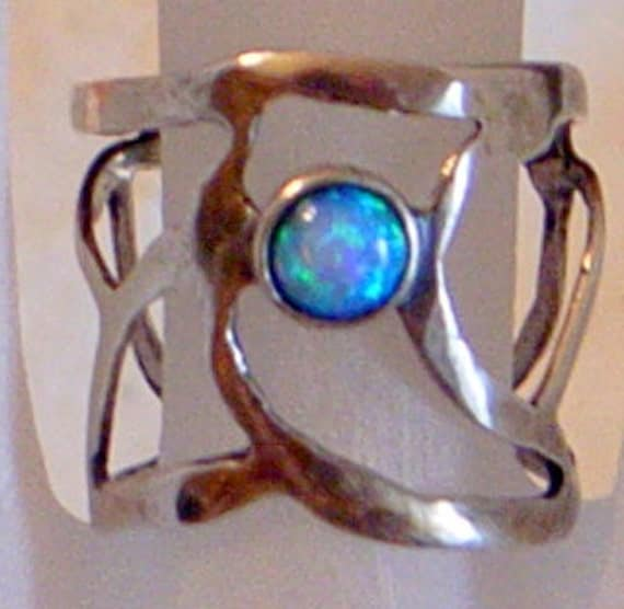 Sterling Opal Ring - Modernist Abstract Sterling Ring Set With An Opal - Vintage Modern Size 7