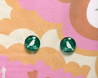 10pcs handmade a white birds silhouette on green round clear glass dome cabochons 12mm (12-0159)
