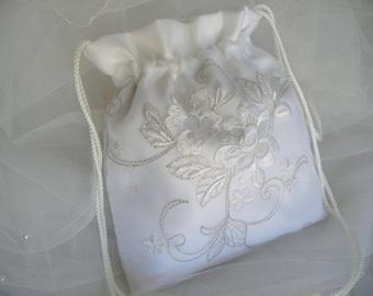 WEDDING, BRIDAL WHITE Drawstring Bag, Embroidered White Organza Overlay, Keepsake Bag, Heirloom Bag, MONeY Bag, Wedding Accessory