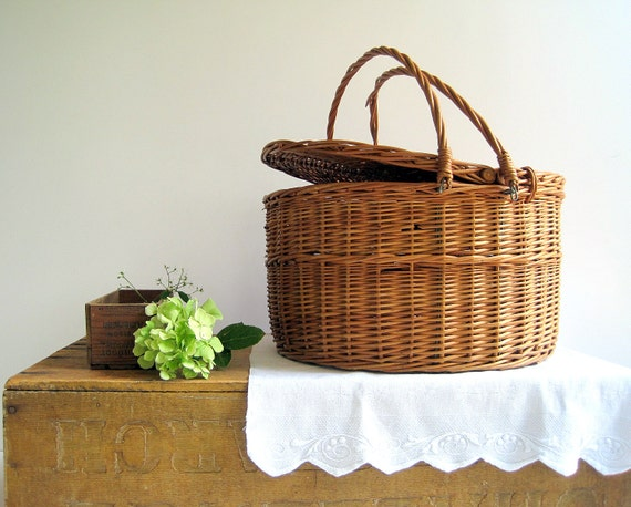 Vintage Market Basket / Wicker Rattan / French Country Home