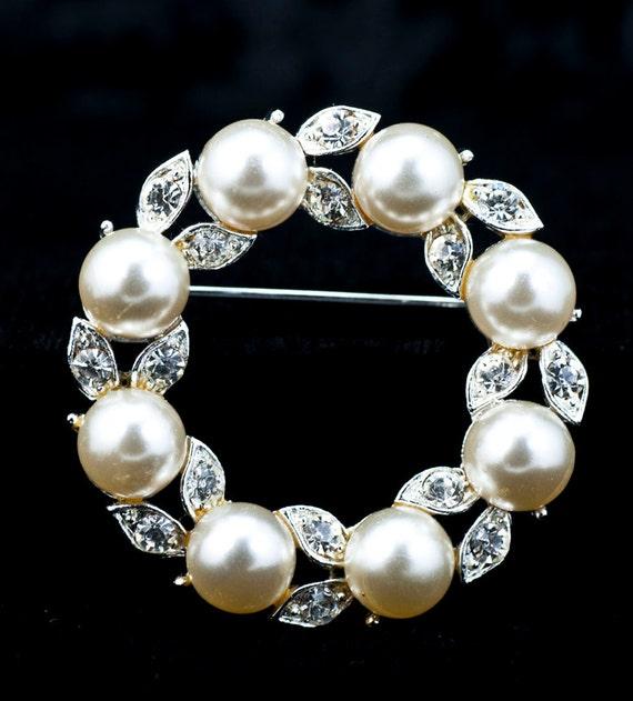 Pearl Circle Pin - Lisner