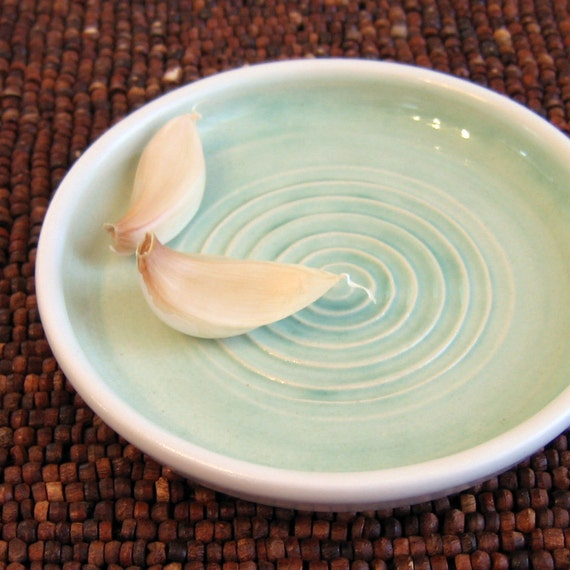 Mint Green Garlic Grater Dish - Gourmet Olive Oil Dipping Pottery Plate