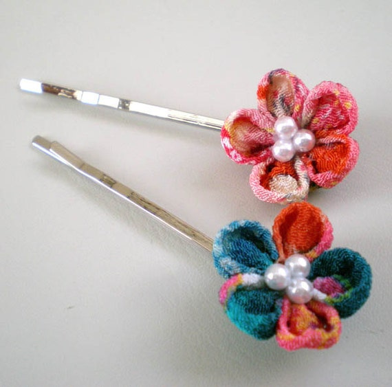 Set of two Hair pins  with Chirimen flower motif in orange and turquoise