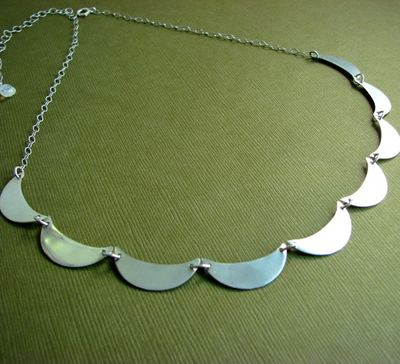 Scalloped Collar Necklace in Sterling Silver
