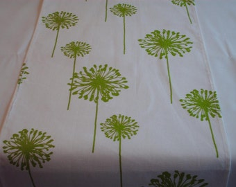 "SAMPLE SALE RUNNER-26-34""  LIme and White Dandelion Table Runner Rpst"