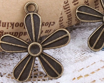 8pcs 20x20mm antique bronze flower charms pendants (J434)