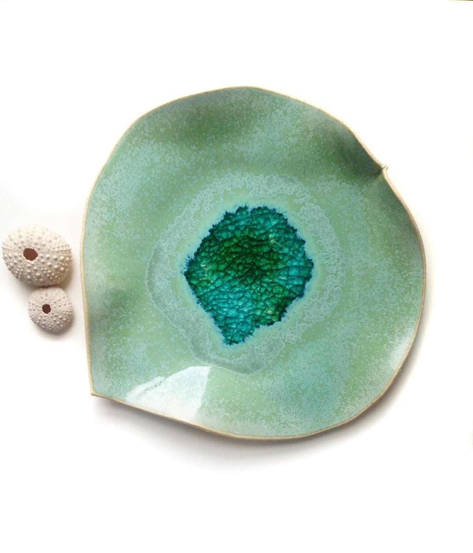 Large decorative ceramic leaf bowl centerpiece
