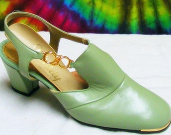 6 B vintage 60's-70's green leather VITALITY slingback pumps shoes NOS