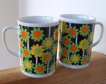 Pair of Vintage Coffee Cups Dramatic Daisies or Sunflowers