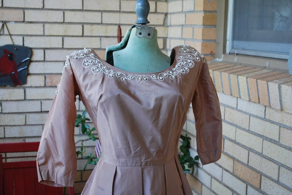 Vintage 1950s beige Taffeta cocktail dress rhinestone accents  B32 -34
