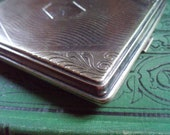 Elegante Cool Engraved Vintage Silverplate Cig Case Beautiful Object