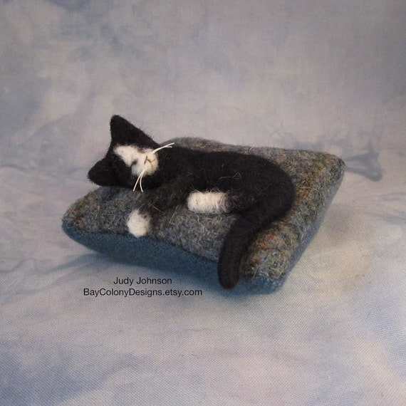 RESERVED for Schillnf - Pincushion with Needle-Felted Sleeping Kitty (81012d)