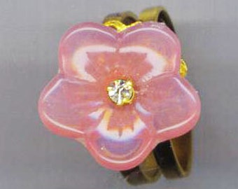 Pink Glass Flower Ring . Pink Valentine Ring . Rose Petal Flower. Filigree Floral Ring . Rhinestone - Classy Flower by enchantedbeas on Etsy
