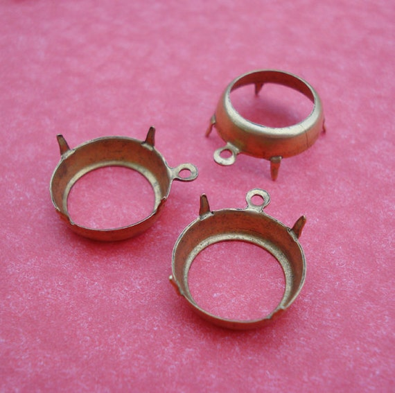Brass 14mm/60ss Open Back 3.5mm Low Wall 1 Ring/Loop Round Settings for Jewels or Flat Back Cabs (6 pieces)