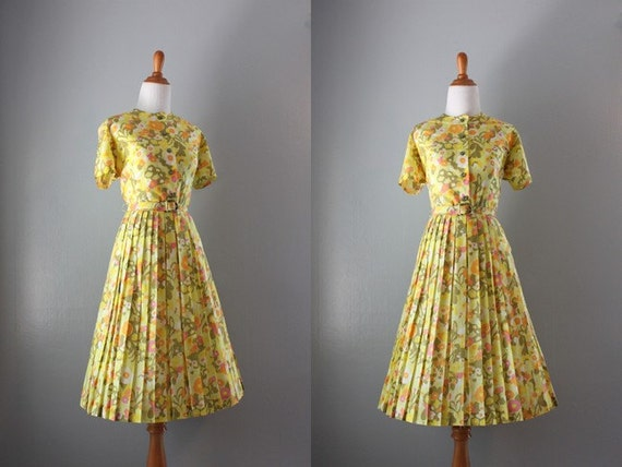 Vintage 60s Dress / Early 1960s Full Skirt Day Dress / Autumn Floral 60s Dress