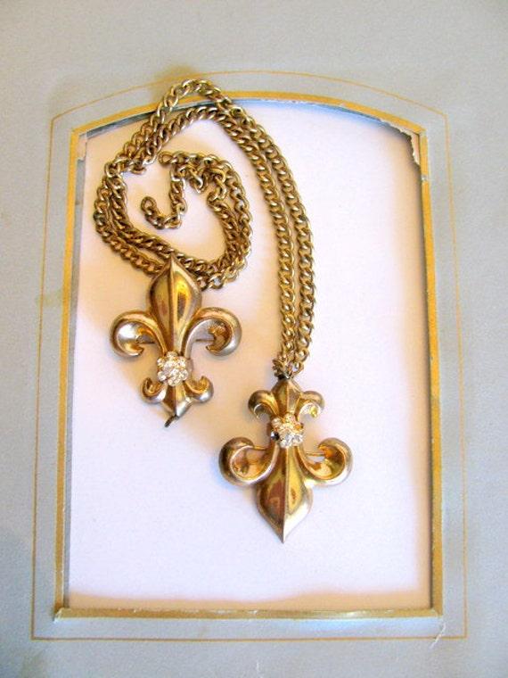 Vintage French Fleur de Lis Style Pins